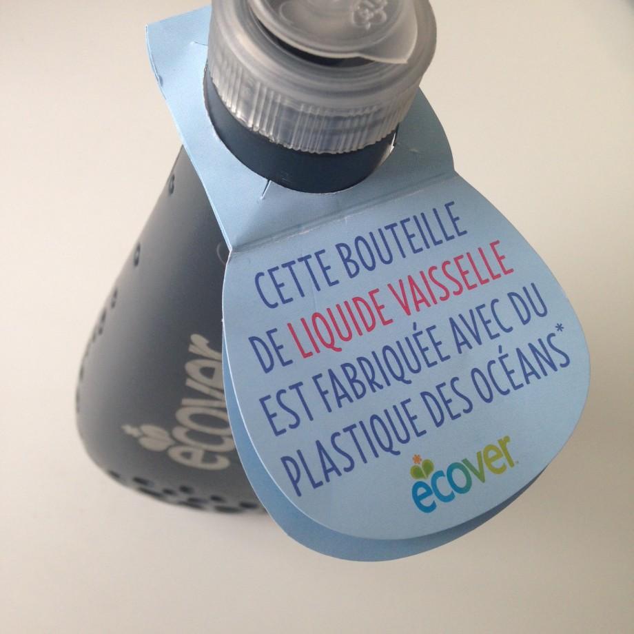 Ecover crée une bouteille avec le plastique des océans