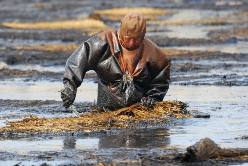 it-has-been-reported-that-of-the-water-kept-underground-in-chinas-cities-90-is-polluted-and-70-of-rivers-and-lakes-are-contaminated-as-well