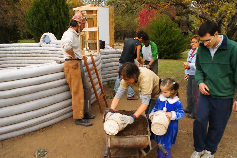 Ils réalisent leur rêve : un « éco-dome » loin du bruit du monde 333333333333
