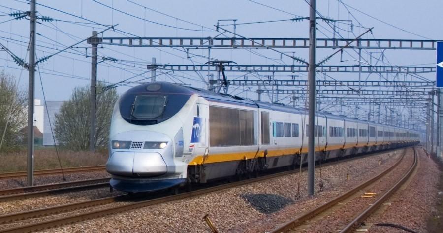 TGV_passes_through_Haute-Picardie_Station
