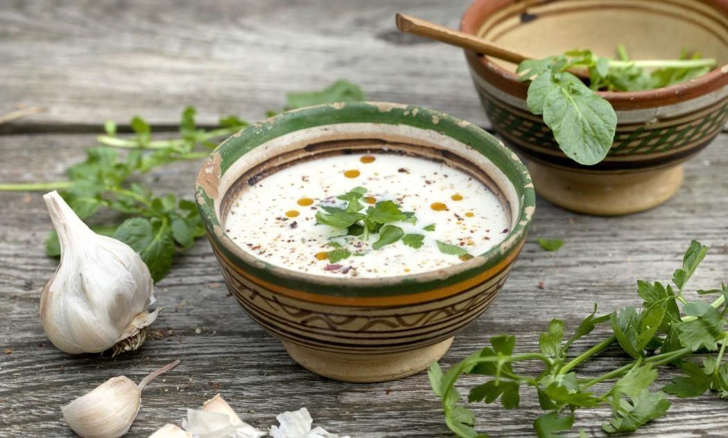 Ils font de la soupe de plantes sauvages à prix libre ! Velouté-ail-1050x700-e1424949588678