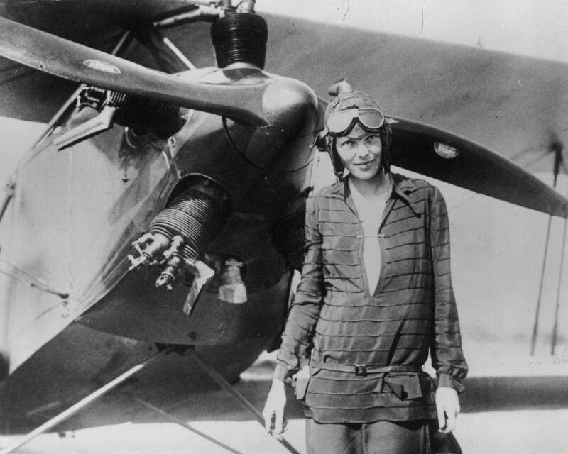 amelia_earhart_1928