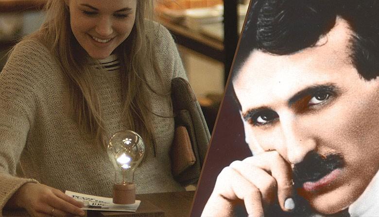 Inspiré par Tesla, il crée l'ampoule « sans fil» à lévitation Flyte031