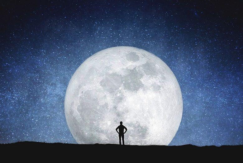Les silhouettes étoilées qui racontaient une histoire… Tumblr_nnqr18bqV61u3cfdko9_1280