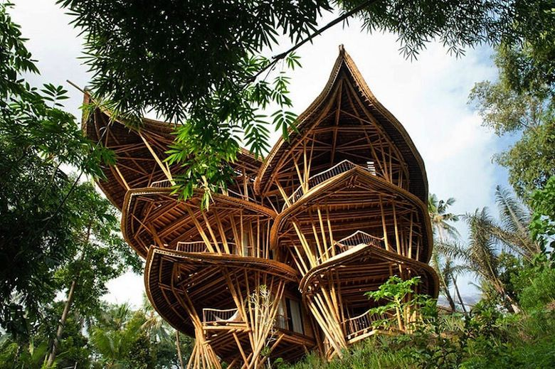 sharma-springs-elora-hardy-ibuku-bali-maison-bambou-1