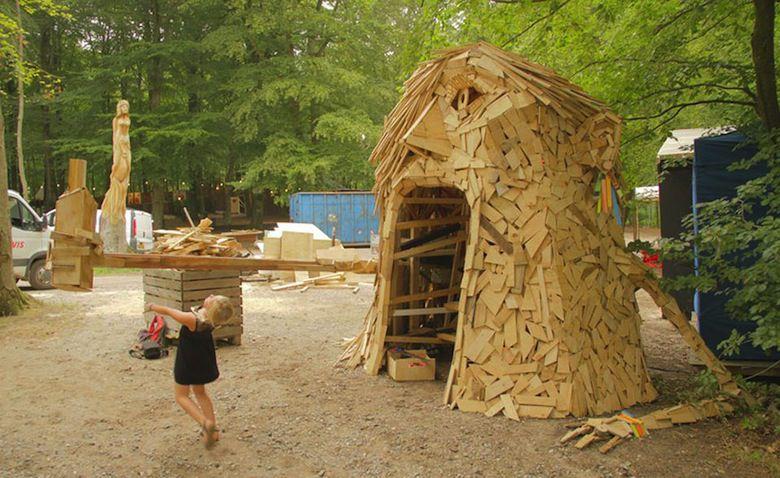 Il crée d'immenses personnages à partir de matériaux récupérés ! I-create-giant-sculptures-from-scrap-wood-2__880