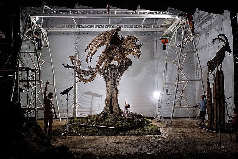 Le créateur des bois perdus  Sculptures-driftwood-dragon-wyvern-james-doran-webb-1