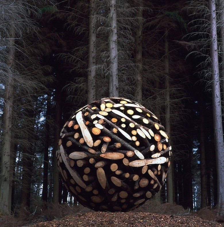 Giant-Wooden-Spheres-by-Lee-Jae-Hyo