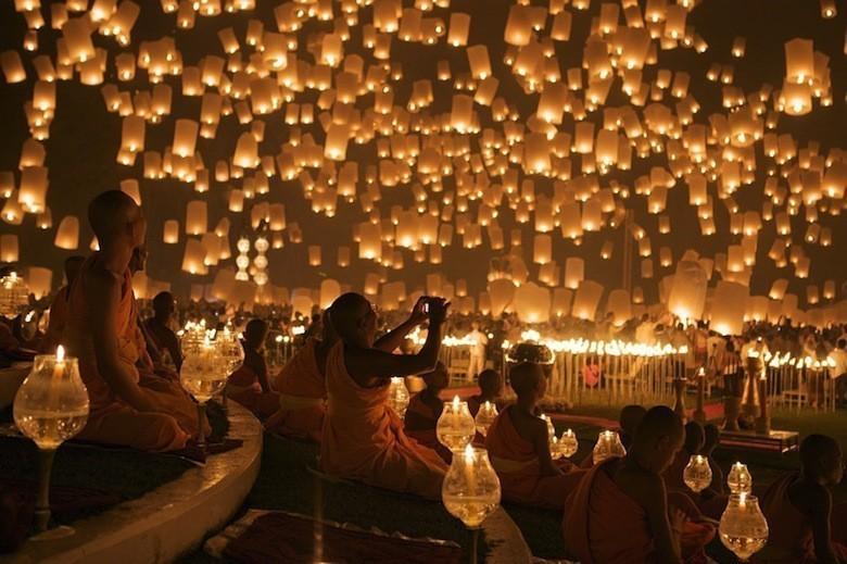 yi-peng-lantern-festival-chiang-mai-7