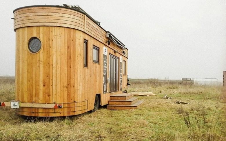 Voici wohnwagon la micro maison autrichienne for Micro maison bois