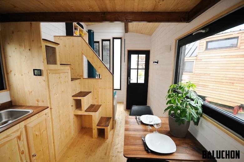 habitat alternatif ils veulent d mocratiser la tiny house en france. Black Bedroom Furniture Sets. Home Design Ideas