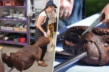 Ils cuisent E.T. au barbecue pour la bonne cause